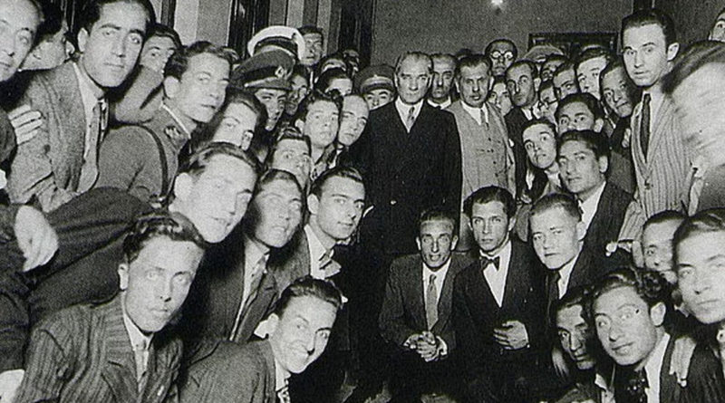 Atatürk'ü Anma Gençlik ve Spor Bayramı'mız Kutlu Olsun