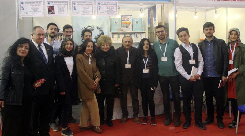 Türk Ocakları Bursa Şubesi 15.Uluslararası Bursa Tüyap Kitap Fuarında Okurseverlerle Buluştu